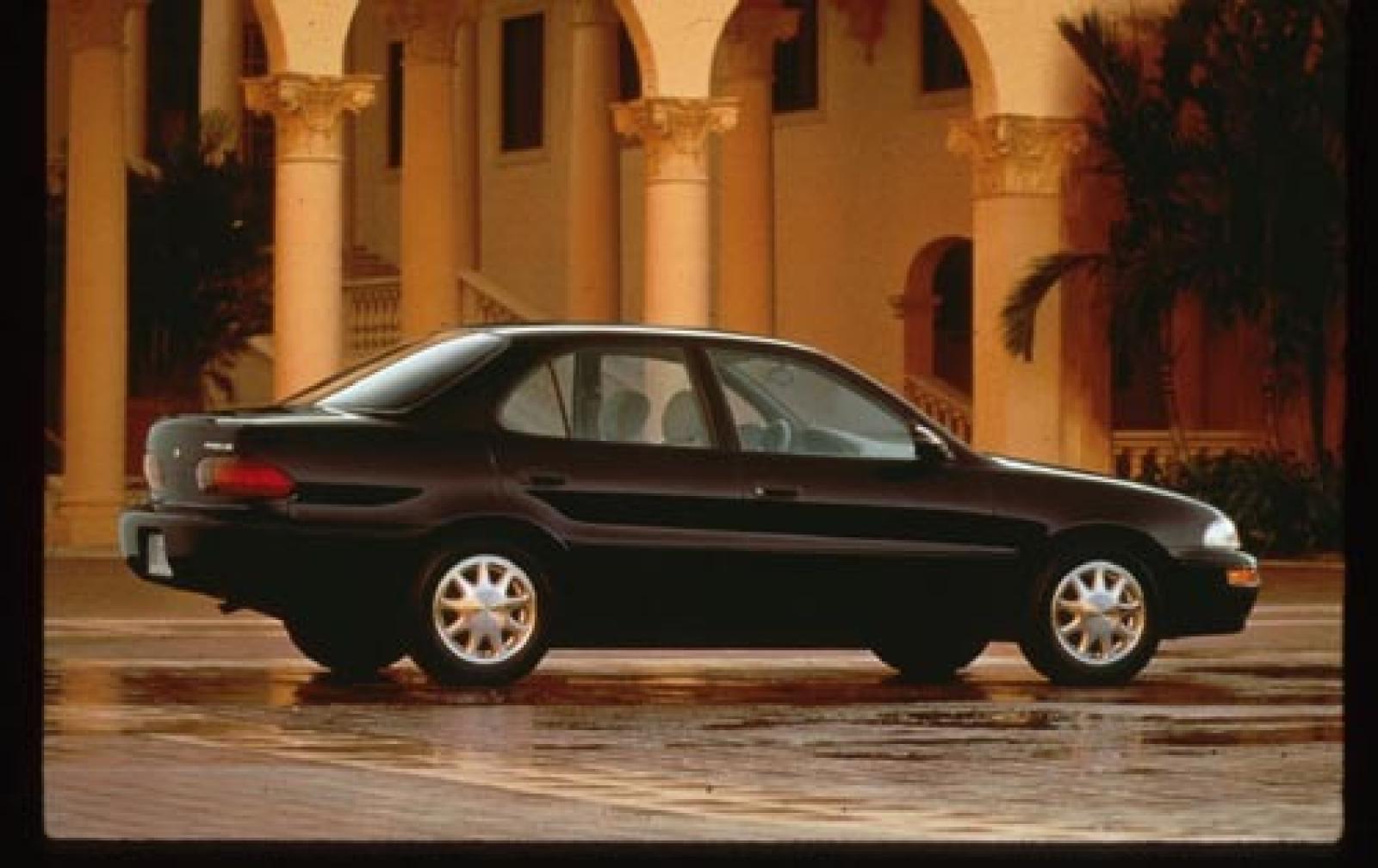 Geo Prizm III 1997 - 2002 Sedan #3