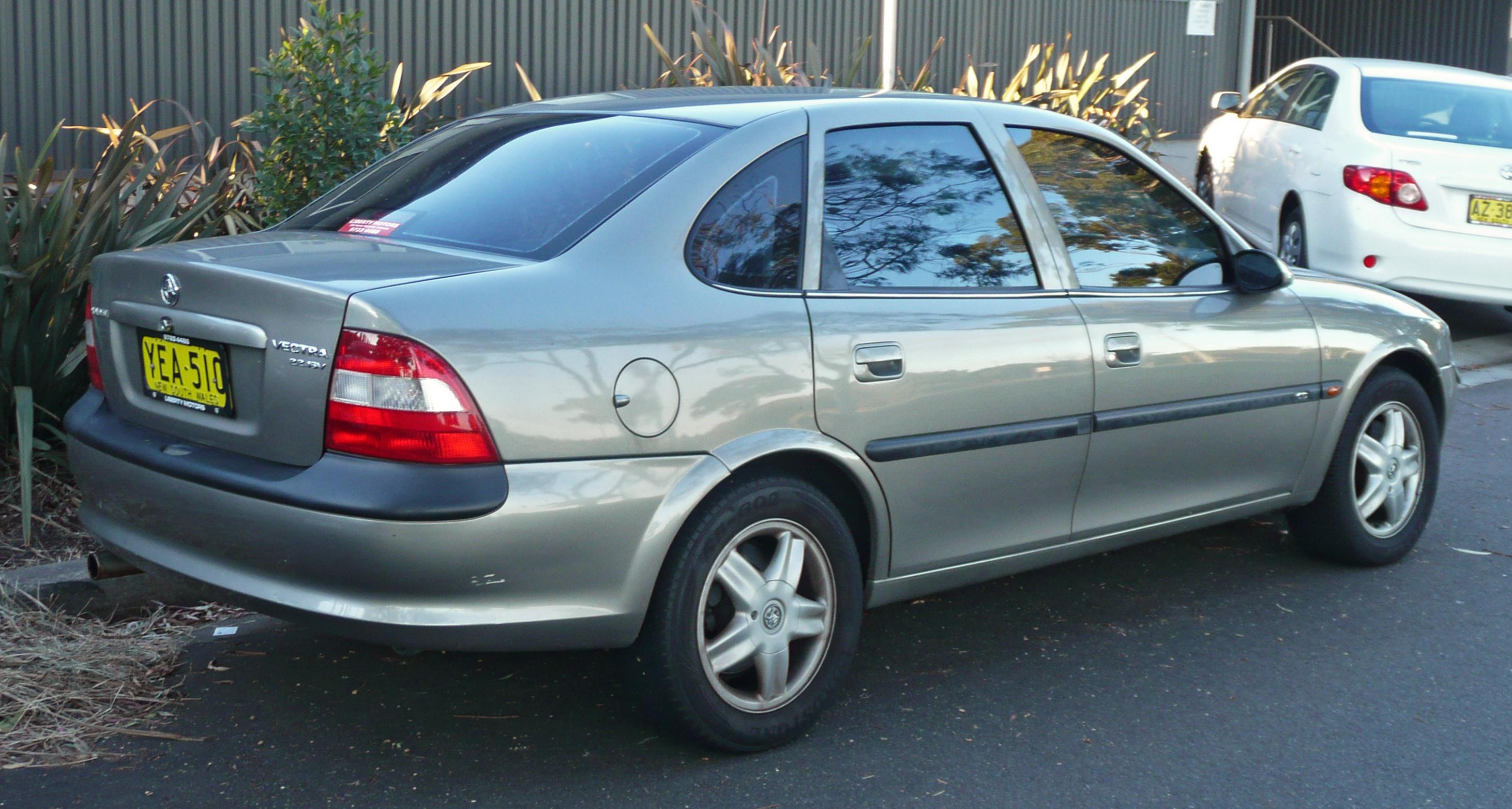 Holden Vectra 1998 - 2001 Hatchback 5 door #1