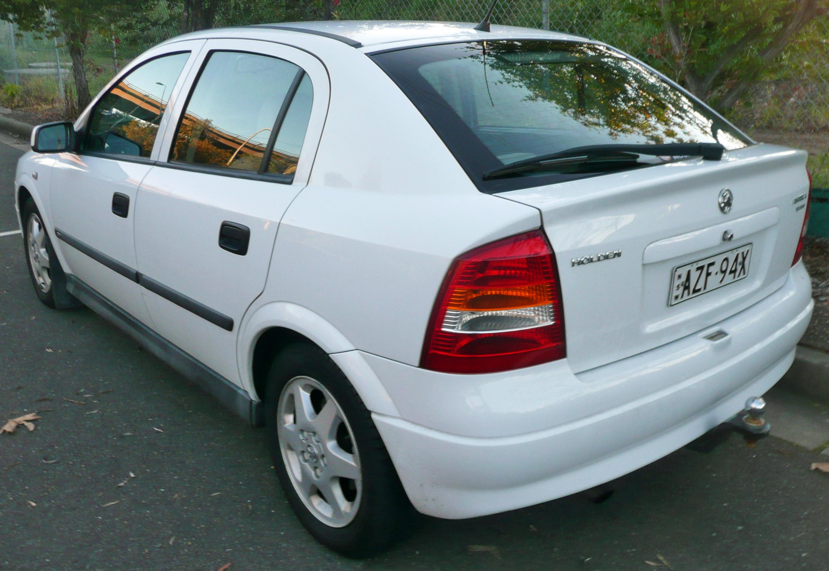 Holden Vectra 1998 - 2001 Hatchback 5 door #3