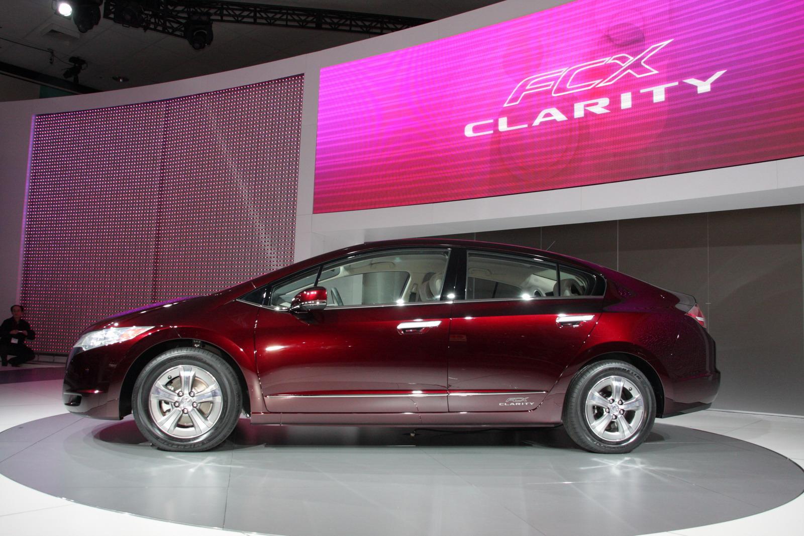 Honda FCX Clarity 2008 - 2014 Sedan #2