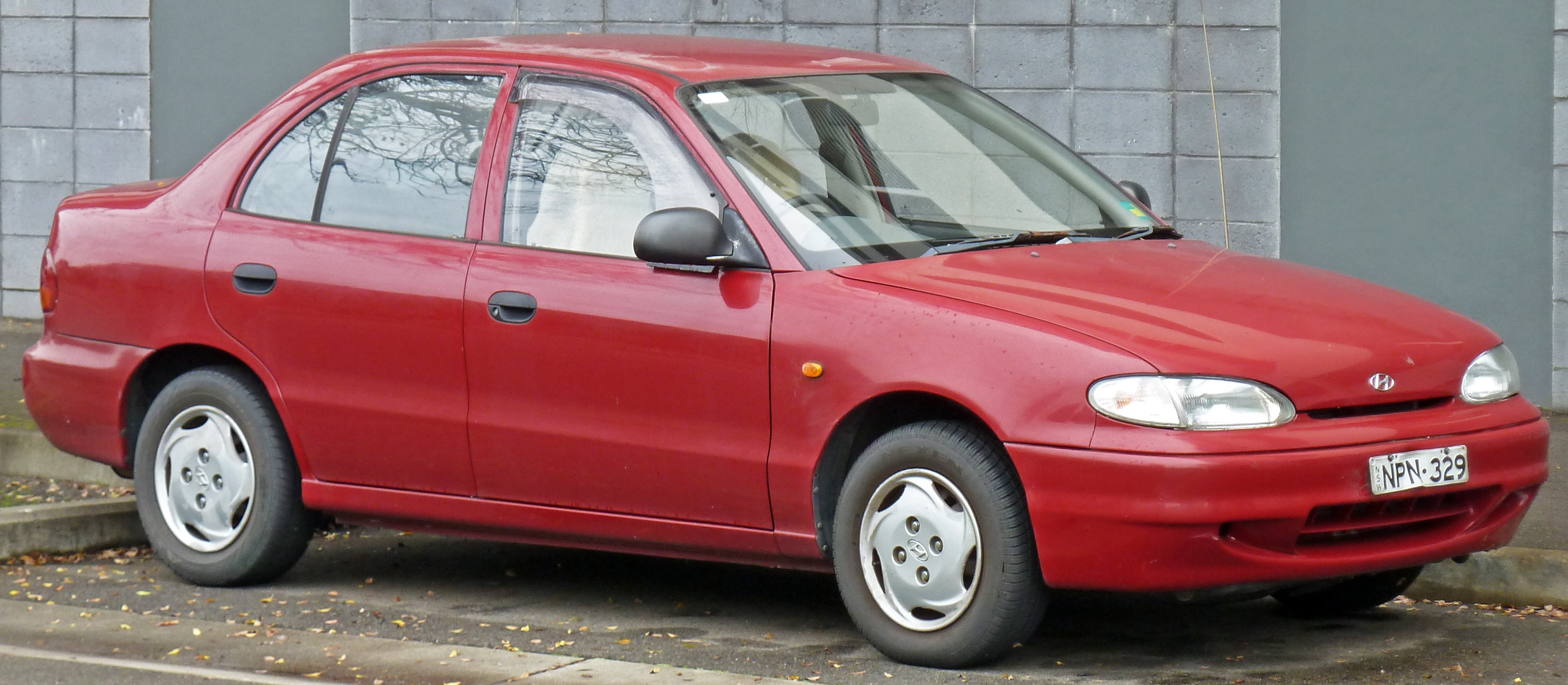 Hyundai Accent I 1994 - 1999 Sedan #3
