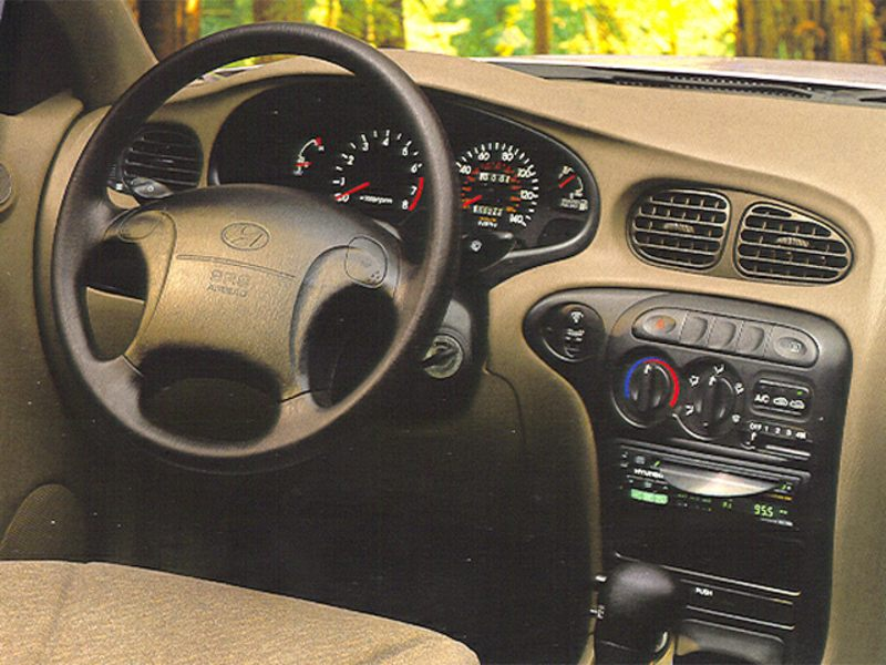 Hyundai Accent I 1994 - 1999 Sedan #1