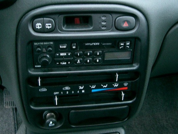 Hyundai Accent I 1994 - 1999 Sedan #8