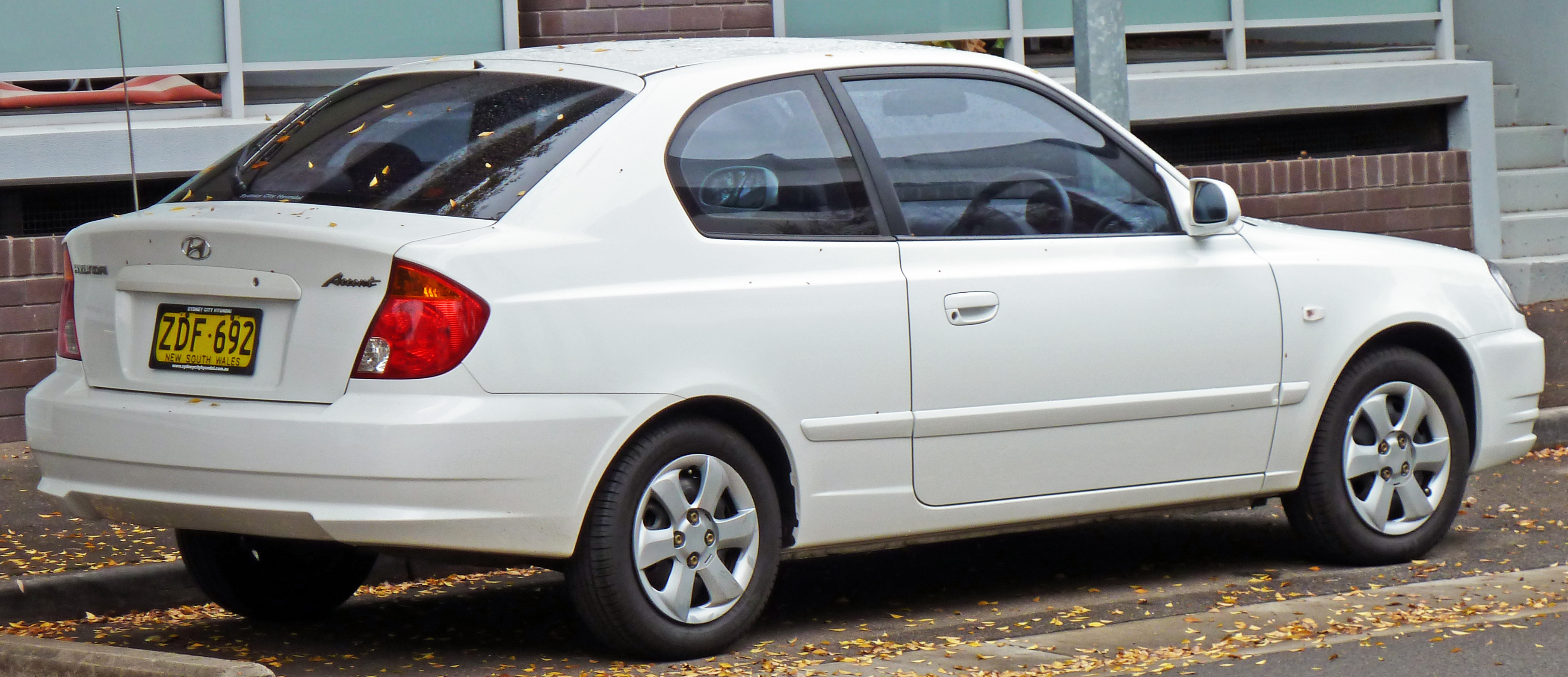Hyundai Accent II Restyling 2003 - 2006 Hatchback 3 door #6