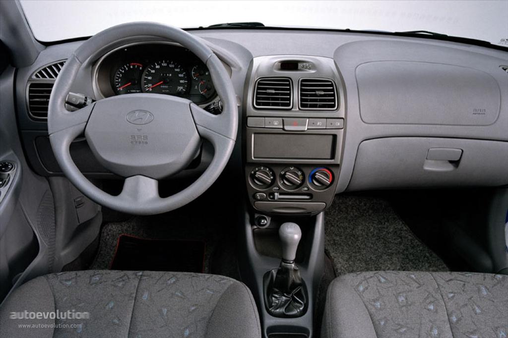 Hyundai Accent II 1999 - 2003 Hatchback 3 door #5