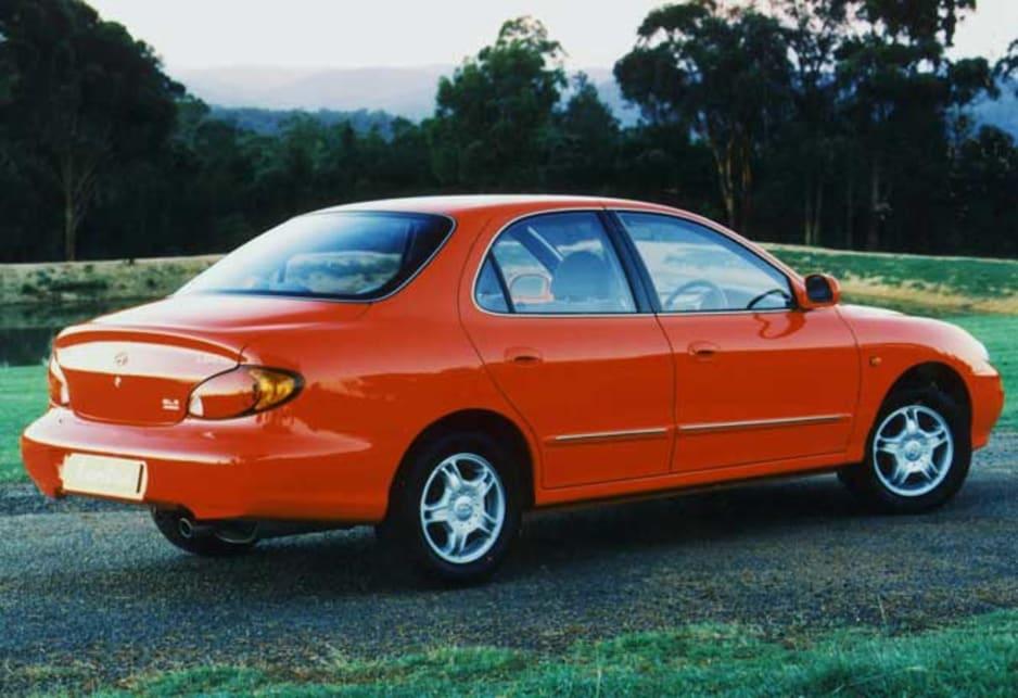 Hyundai Lantra I 1990 - 1995 Sedan #1