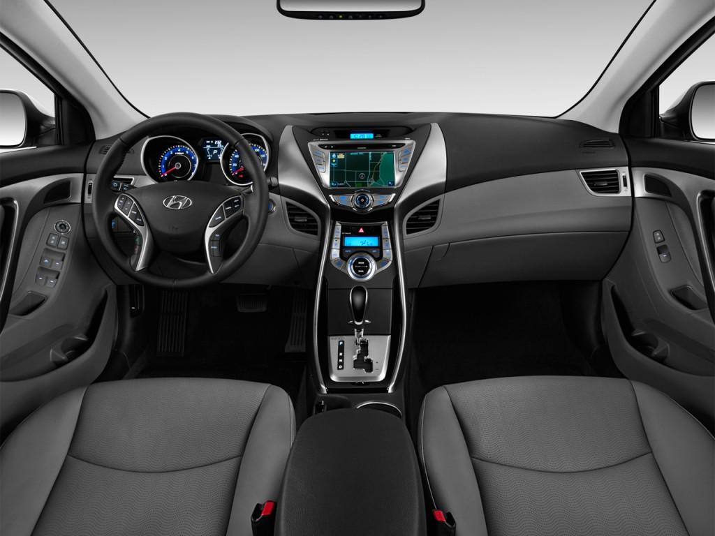 Hyundai Solaris I 2010 - 2014 Sedan #6