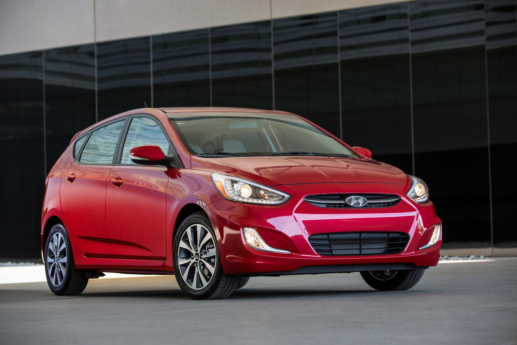 Hyundai Solaris I Restyling 2014 - now Hatchback 5 door #8