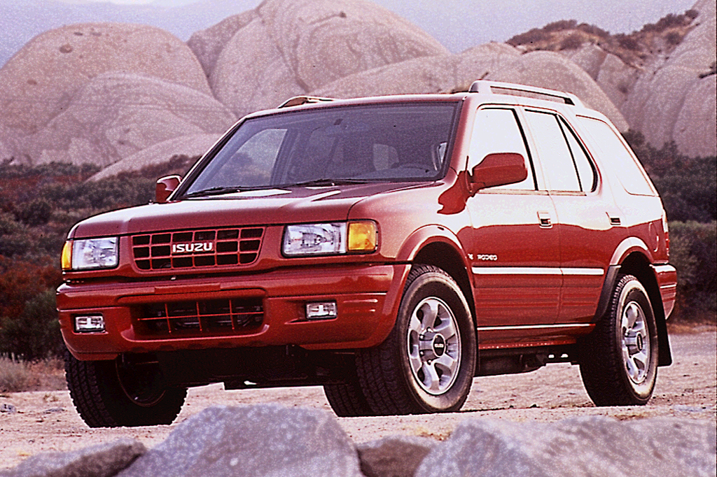 isuzu rodeo ii 1998 2004 suv 5 door outstanding cars. Black Bedroom Furniture Sets. Home Design Ideas