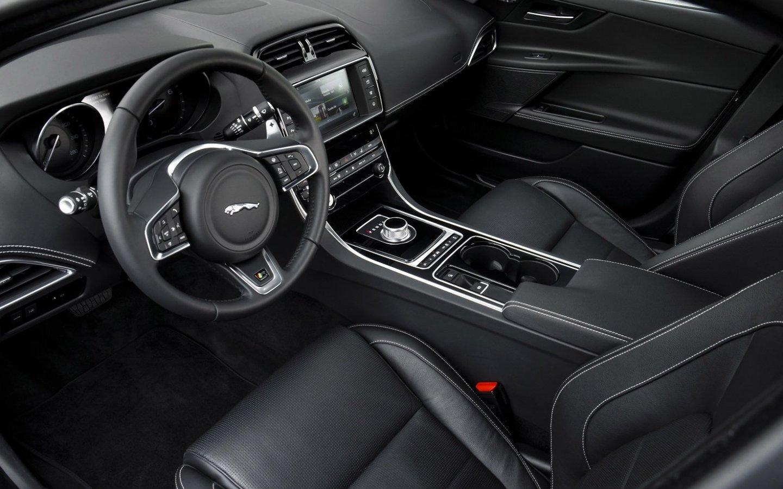 Jaguar XE 2015 - now Sedan #8