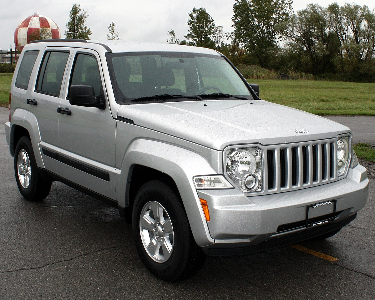 Jeep Liberty (North America) II 2007 - 2012 SUV 5 door #8