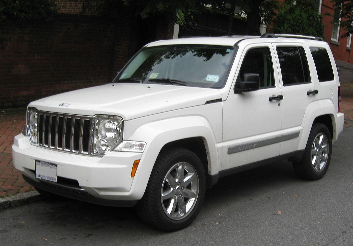 Jeep Liberty (North America) II 2007 - 2012 SUV 5 door #7