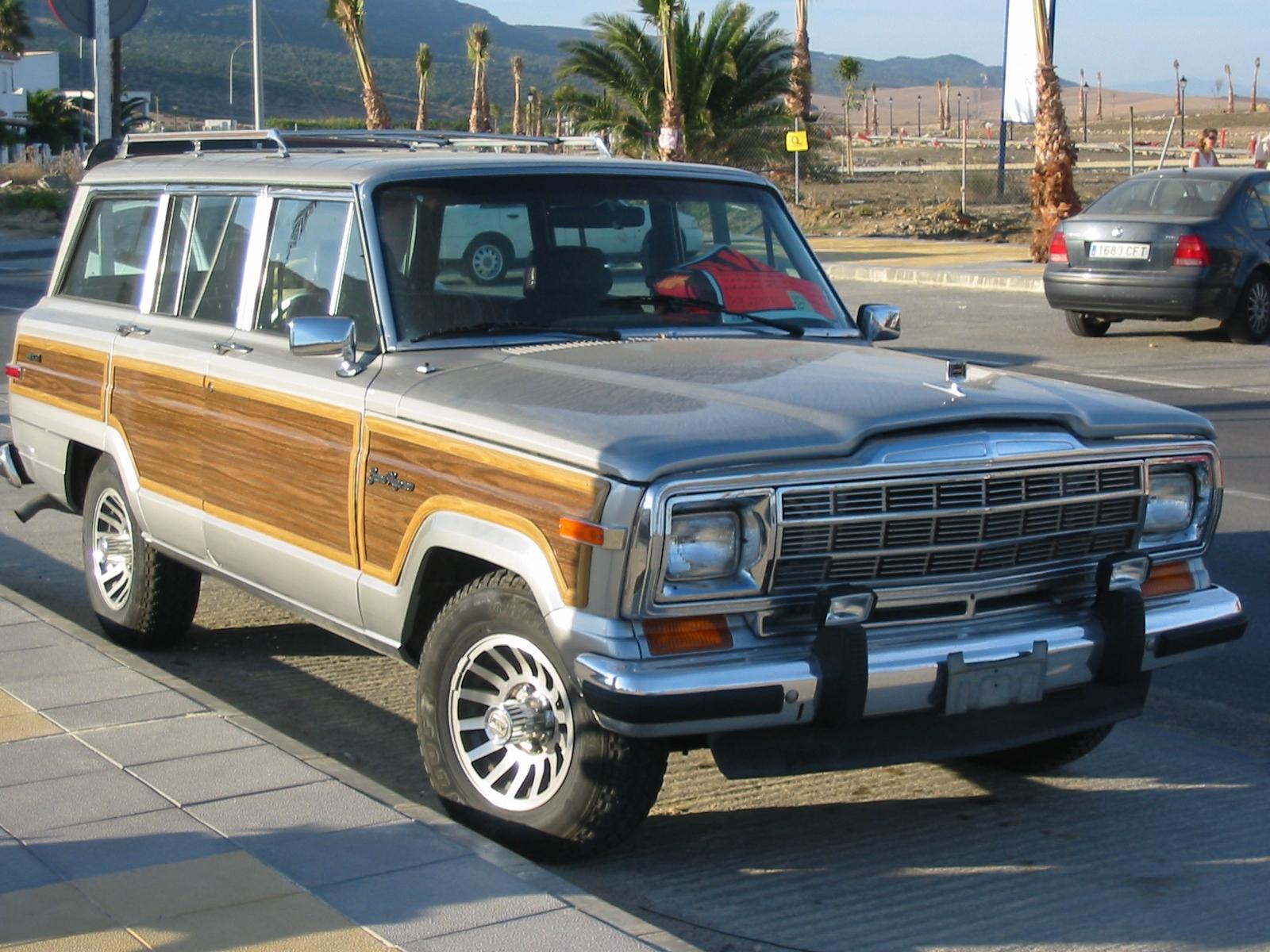 Jeep Grand Wagoneer 1979 - 1991 SUV 5 door #4