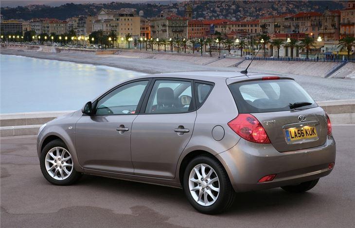 Kia Cee'd I 2007 - 2010 Hatchback 5 door #6