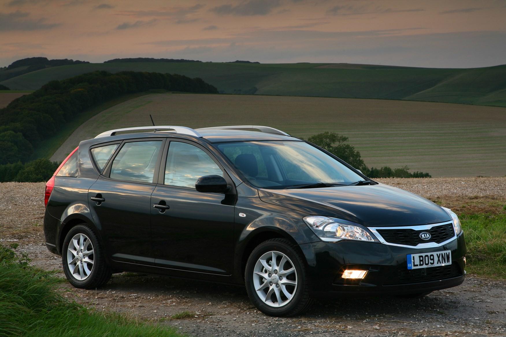 kia cee 39 d i 2007 2010 station wagon 5 door outstanding cars. Black Bedroom Furniture Sets. Home Design Ideas