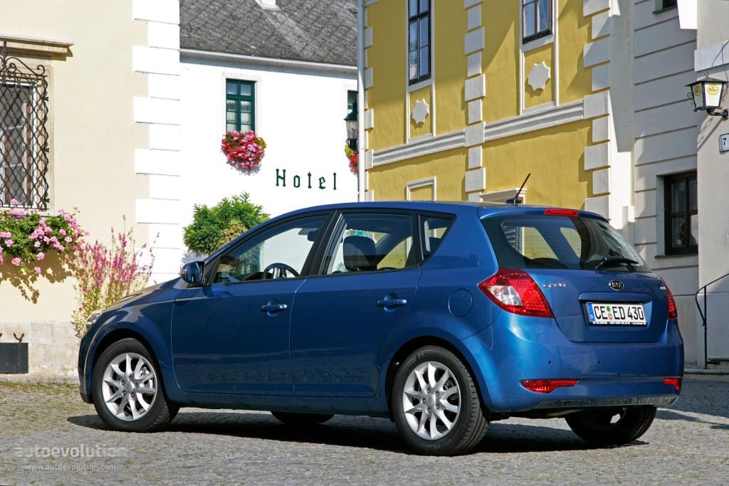 Kia Cee'd I Restyling 2010 - 2012 Hatchback 5 door #5