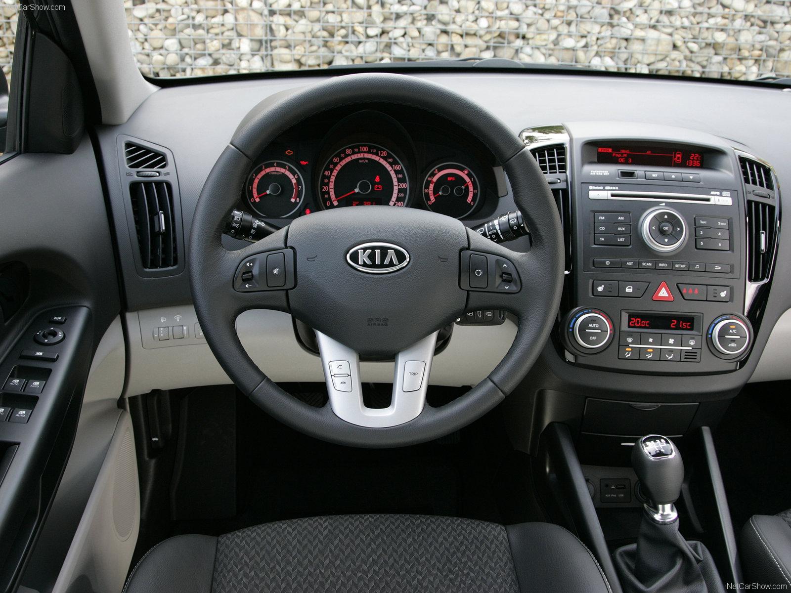 Kia Cee'd I Restyling 2010 - 2012 Hatchback 5 door #6