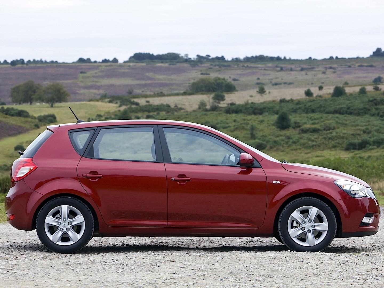 Kia Cee'd I Restyling 2010 - 2012 Hatchback 5 door #2