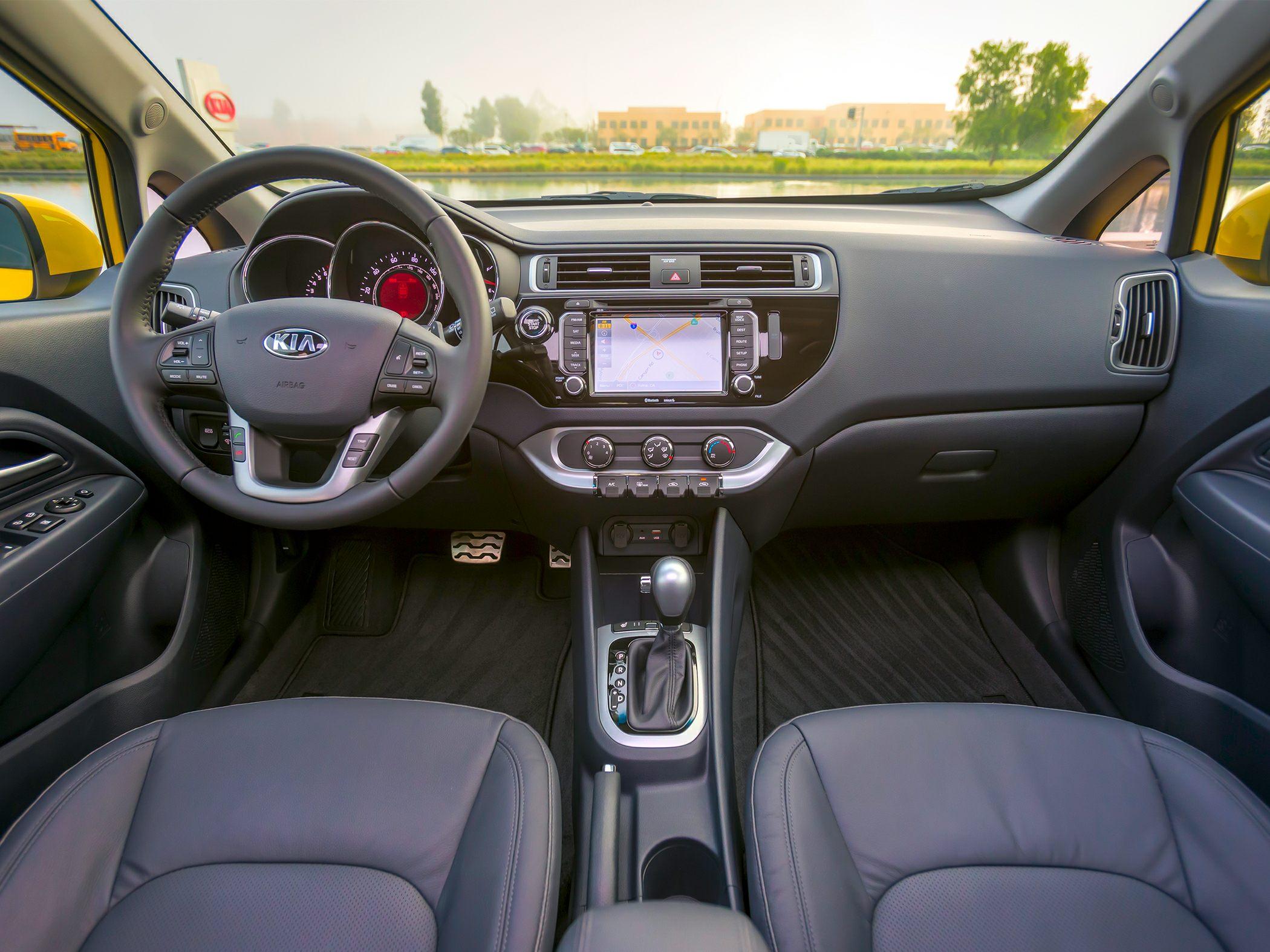 Kia Cerato I 2003 - 2006 Hatchback 5 door #5