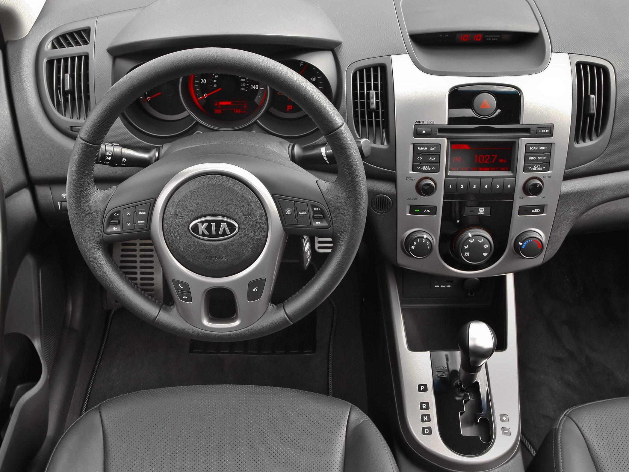 Kia Forte I 2008 - 2013 Sedan #1