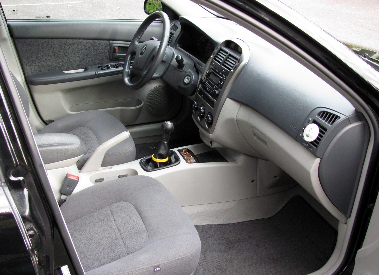 Kia Spectra II 2004 - 2008 Hatchback 5 door #4
