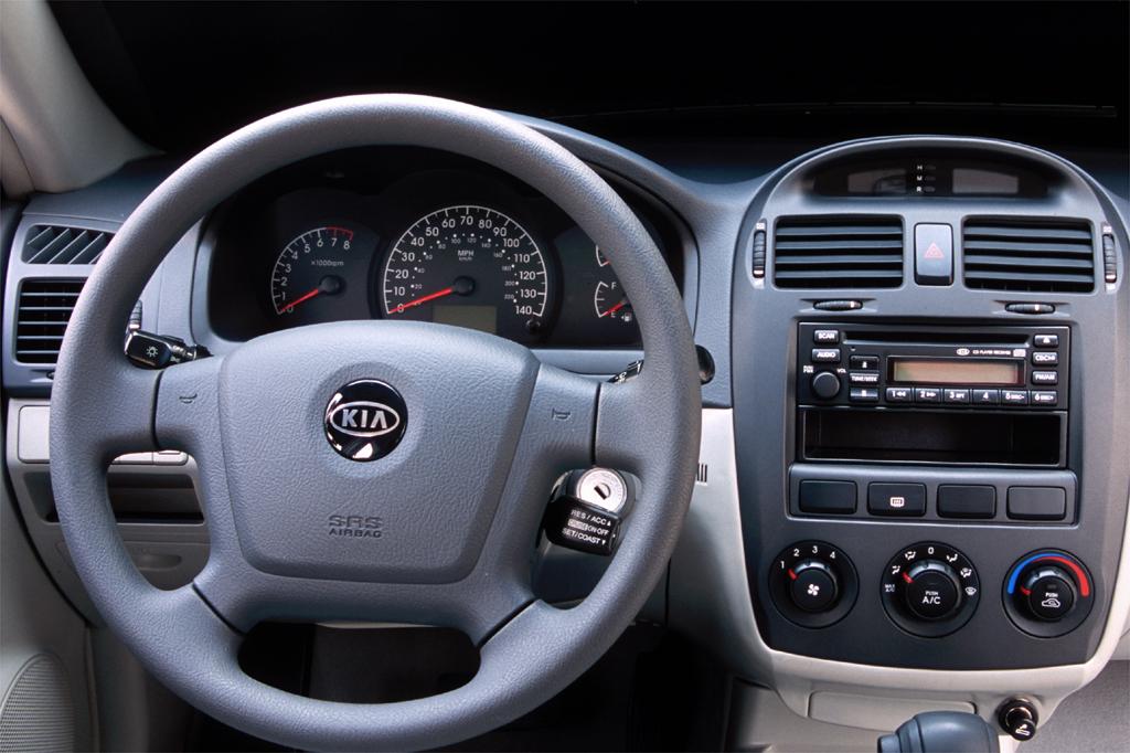Kia Spectra II 2004 - 2008 Hatchback 5 door #2