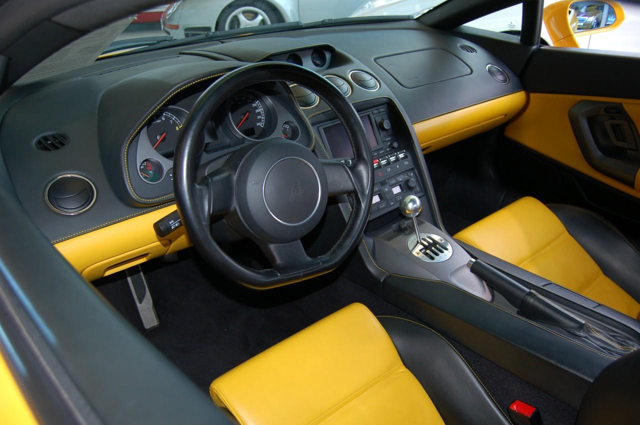 Lamborghini Aventador I 2011 - 2016 Coupe :: OUTSTANDING CARS