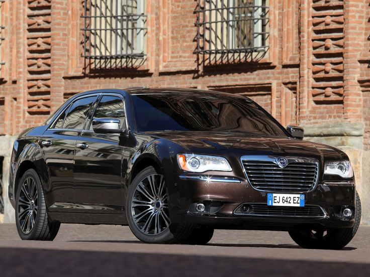 Lancia Thema II 2011 - 2014 Sedan :: OUTSTANDING CARS