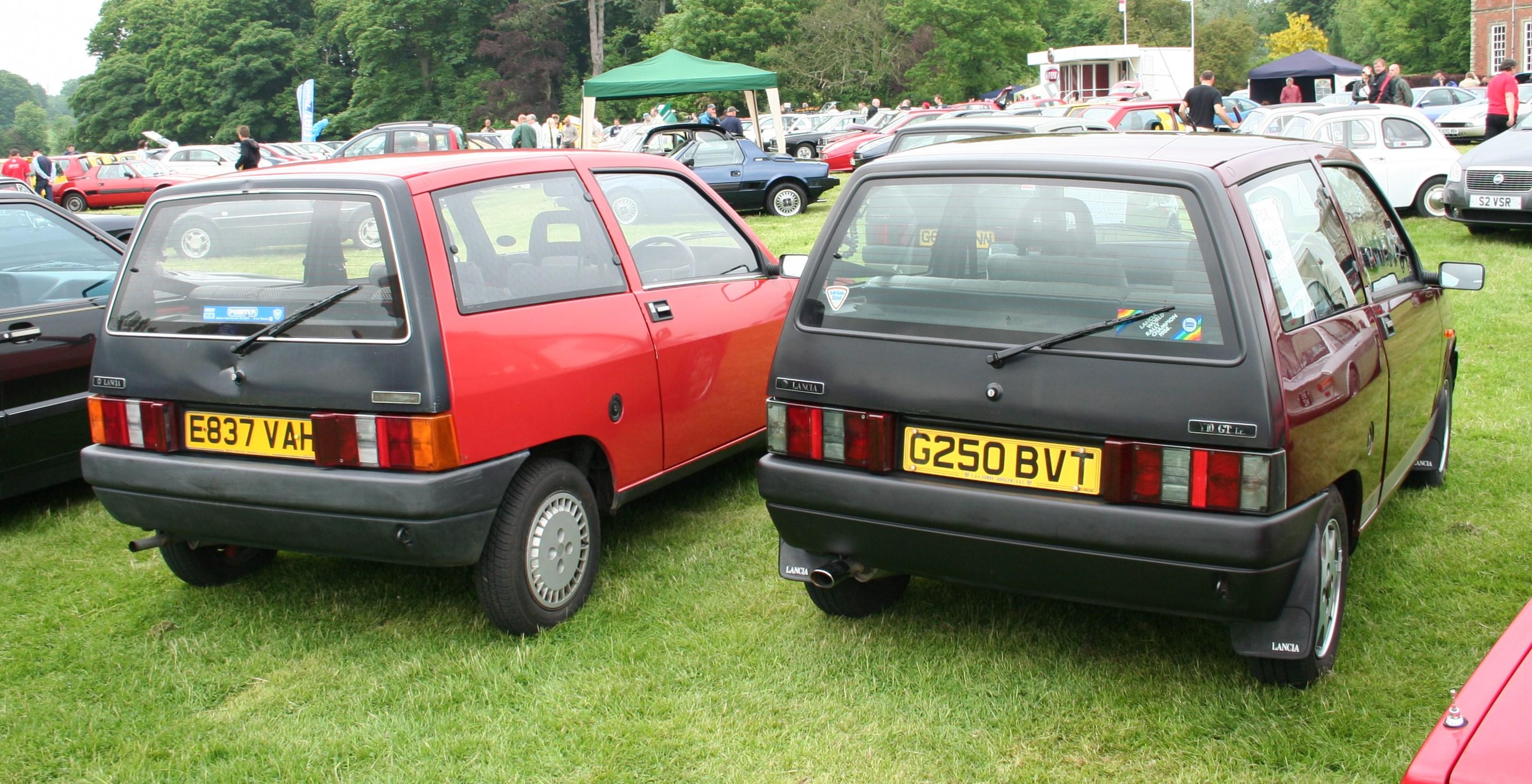 http://carsot.com/images/lancia-y10-1985-1995-hatchback-3-door-exterior-3.jpg