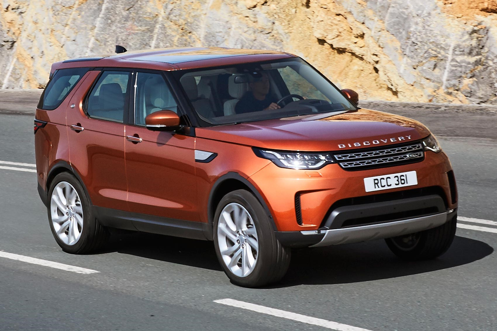 Land Rover Discovery V 2017 - now SUV 5 door #4