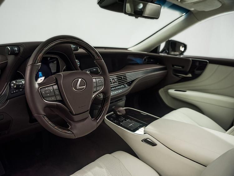 Lexus LS V 2017 - now Sedan #8