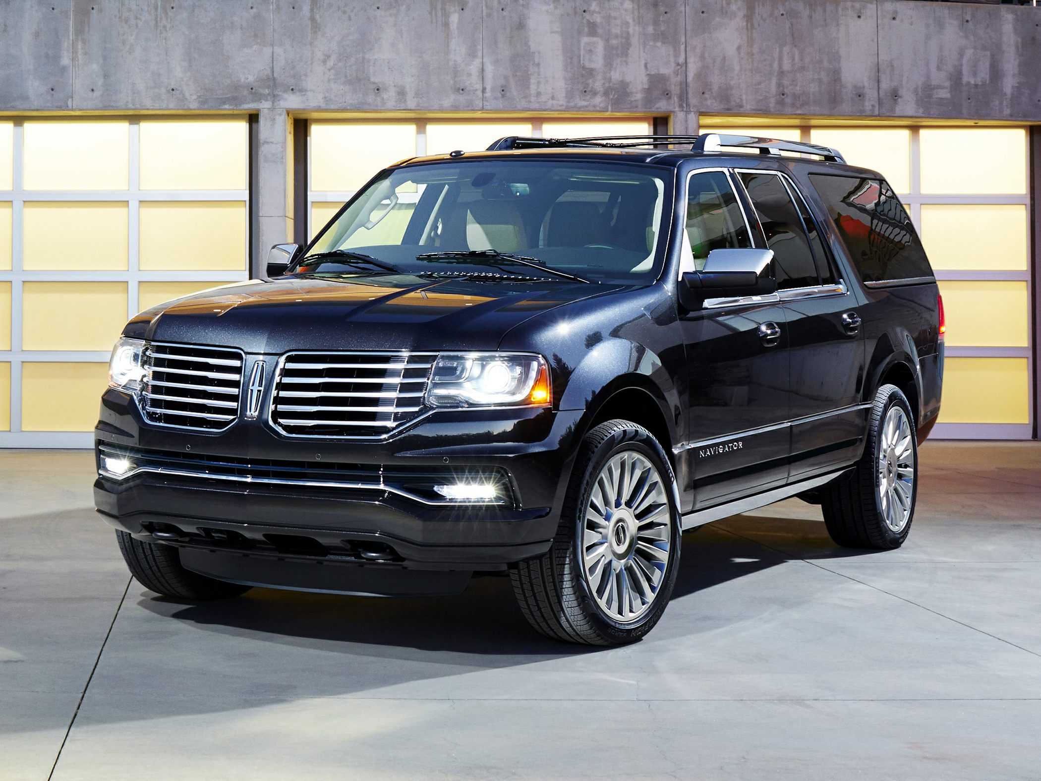 Lincoln Navigator IV 2017 - now SUV 5 door #4