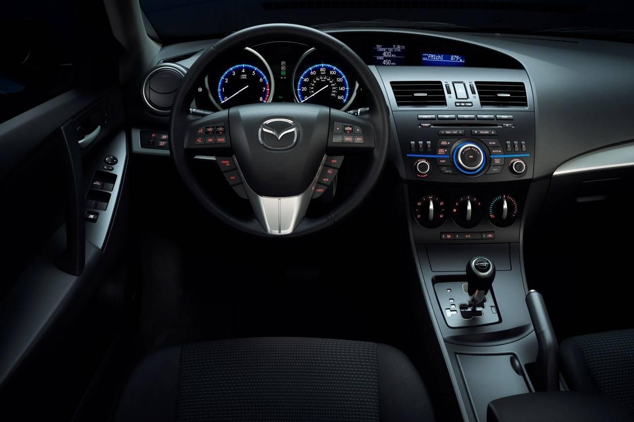 Mazda 3 III 2013 - 2016 Sedan :: OUTSTANDING CARS