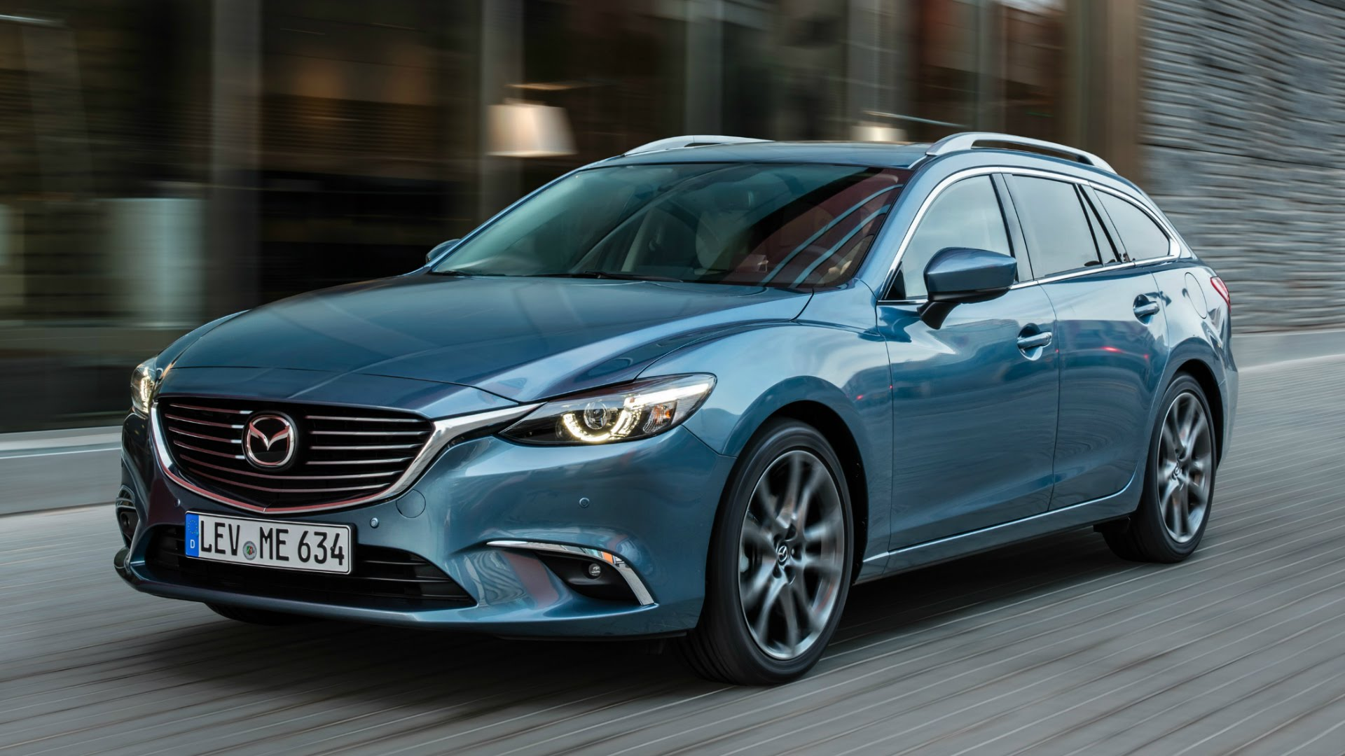 http://carsot.com/images/mazda-6-iii-restyling-2015-now-station-wagon-5-door-interior-2.jpg