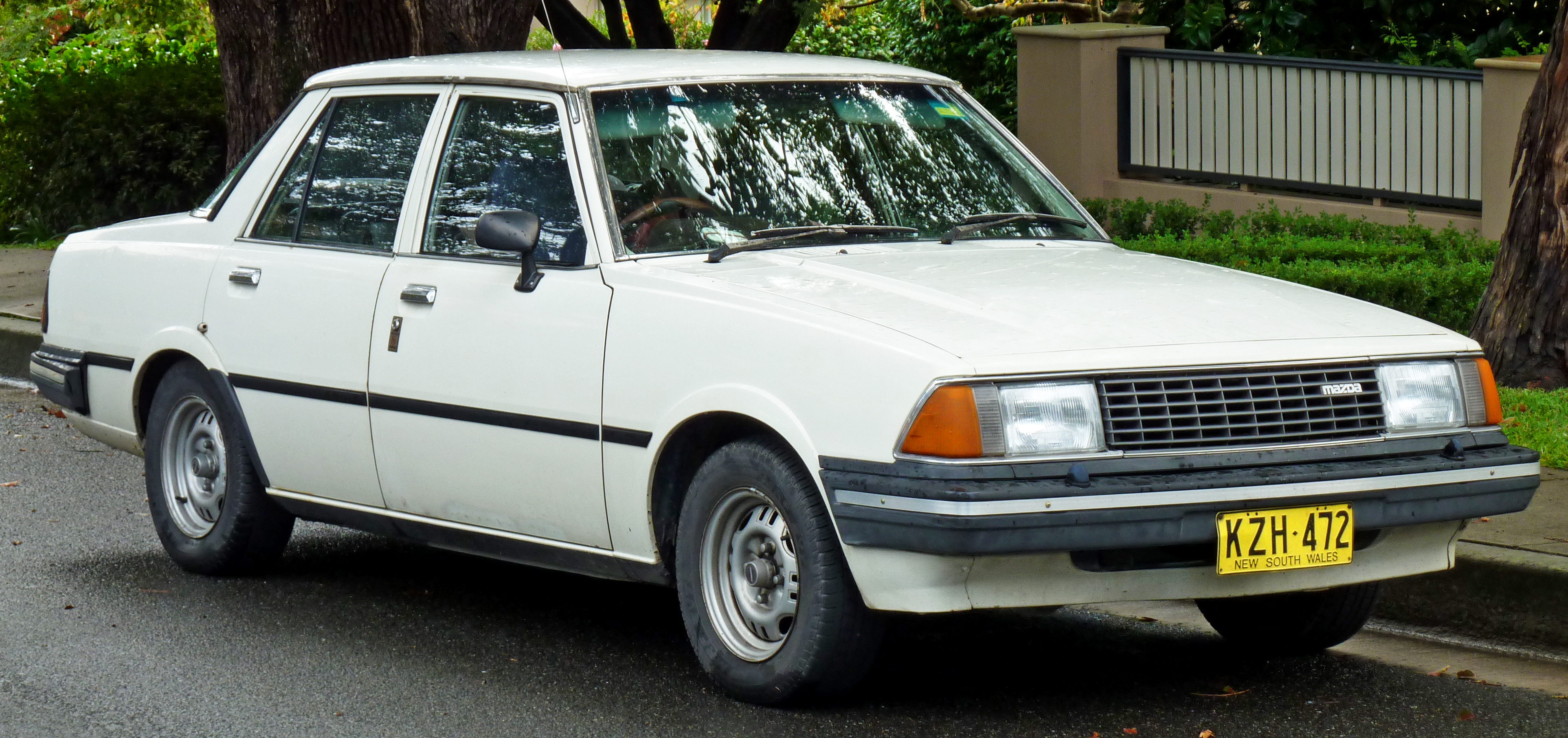 Mazda 626 I (CB) 1978 - 1982 Sedan :: OUTSTANDING CARS