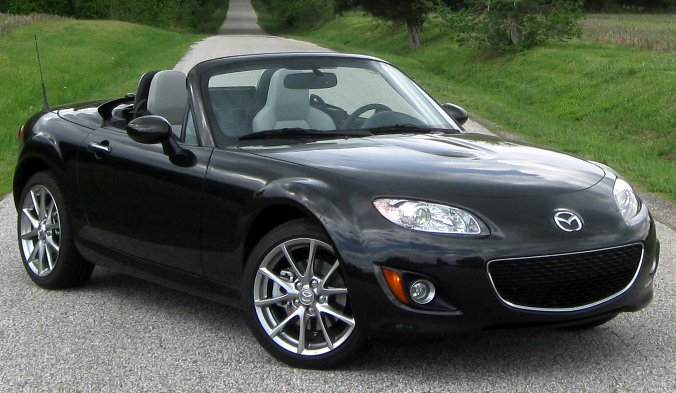 http://carsot.com/images/mazda-mx5-ii-nb-restyling-2001-2005-roadster-interior-3.jpg