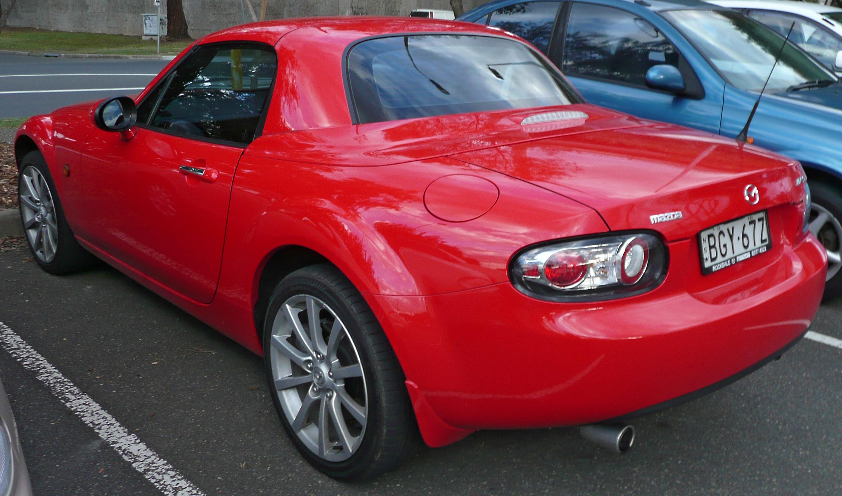 http://carsot.com/images/mazda-mx5-iii-nc-2005-2009-roadster-exterior-2.jpg