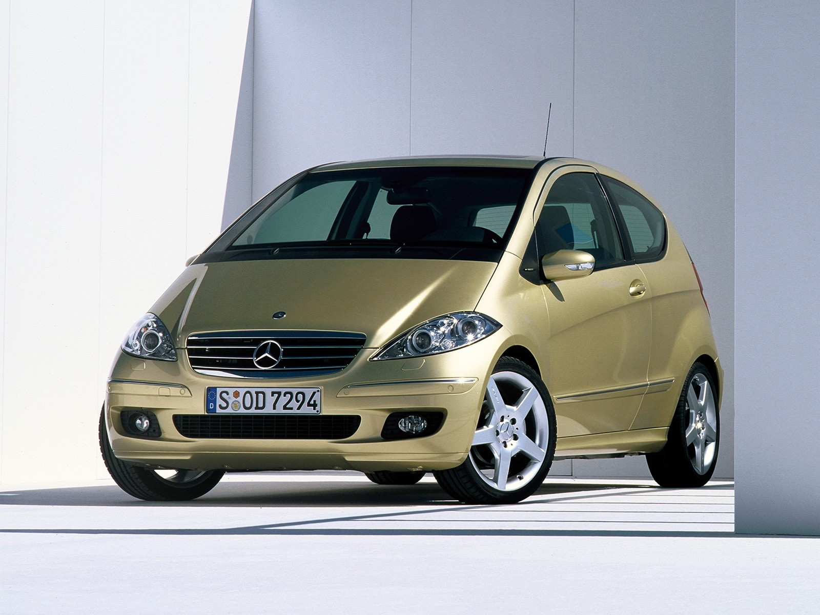 Mercedes-Benz A-klasse II (W169) 2004 - 2007 Hatchback 3 door #1