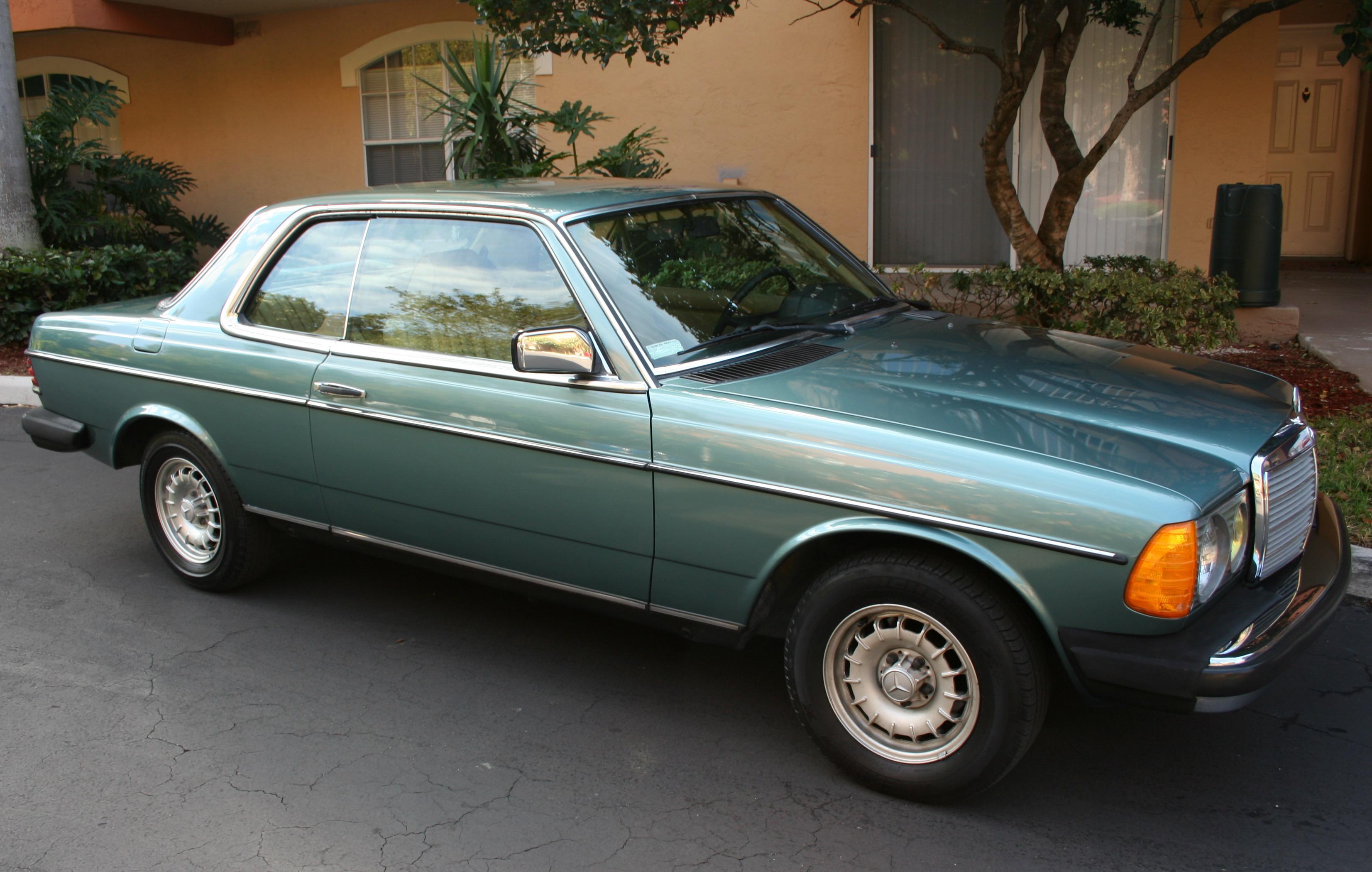 http://carsot.com/images/mercedesbenz-w123-1975-1985-coupe-exterior-4.jpg