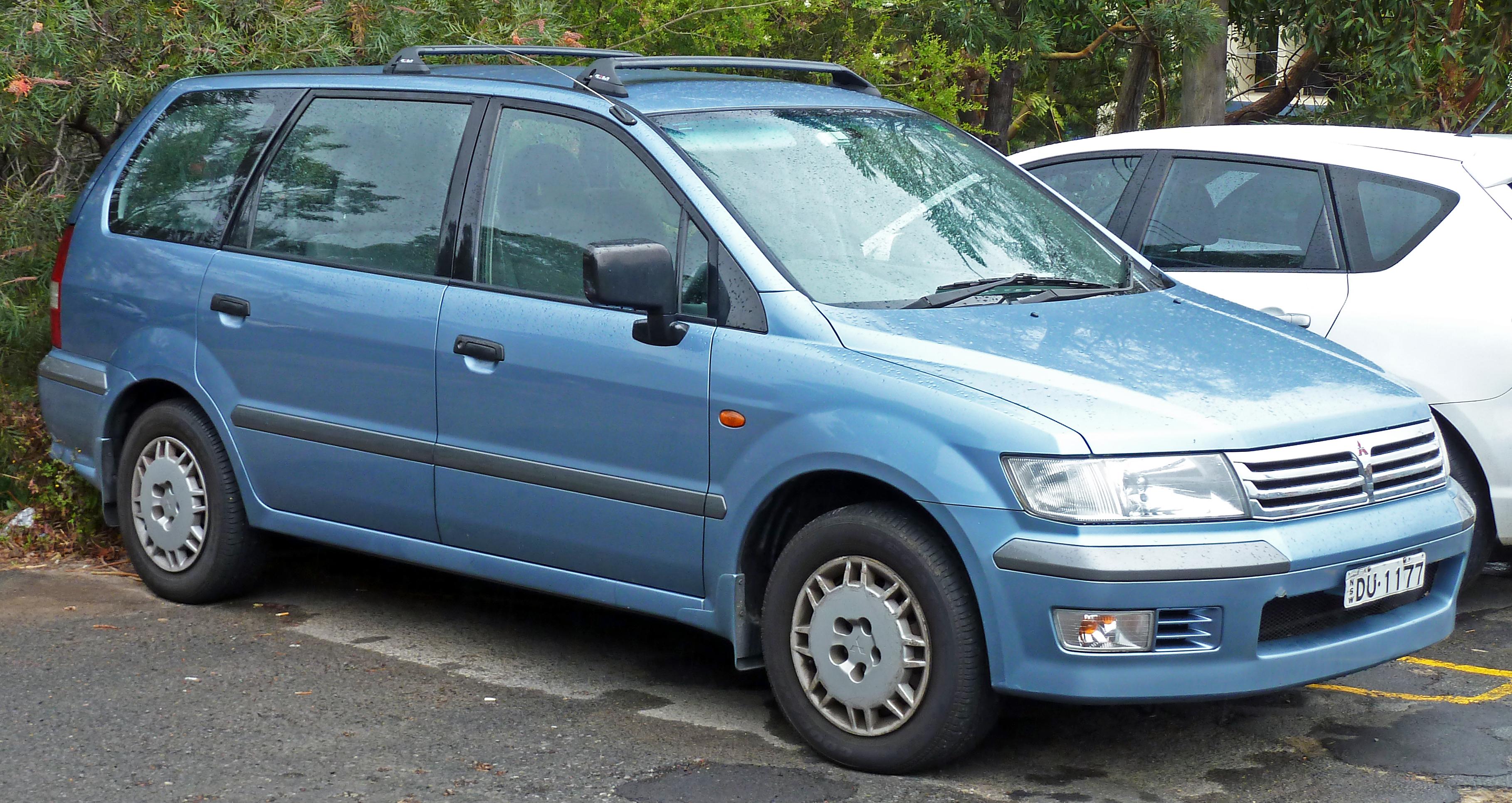 Mitsubishi Chariot I 1983 - 1991 Compact MPV #2