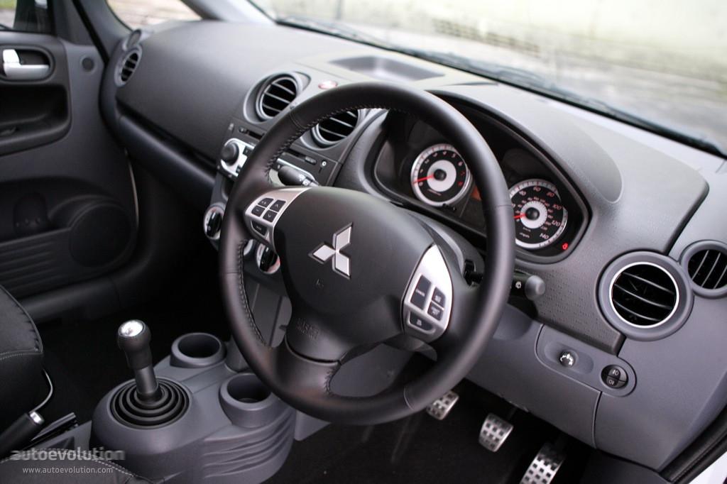 Mitsubishi Colt VI (Z30) Restyling 2008 - 2012 Hatchback 3 door #7