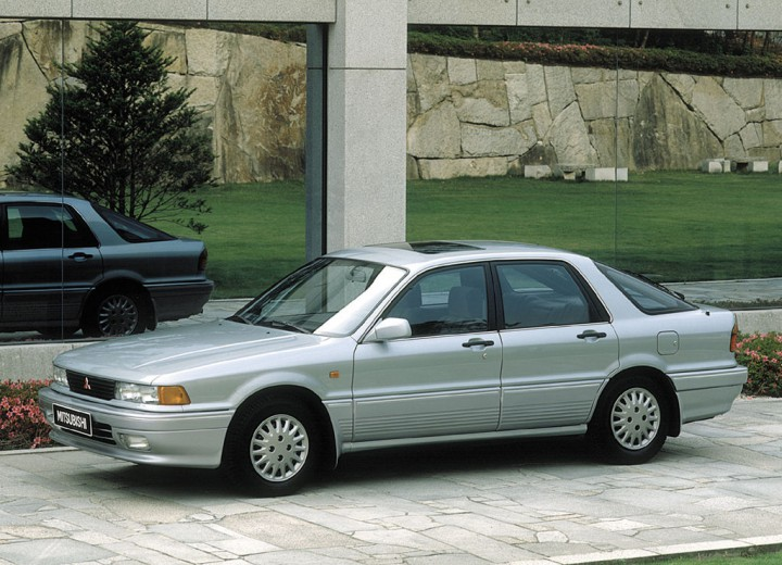 Mitsubishi Galant VI 1987 - 1992 Sedan #5