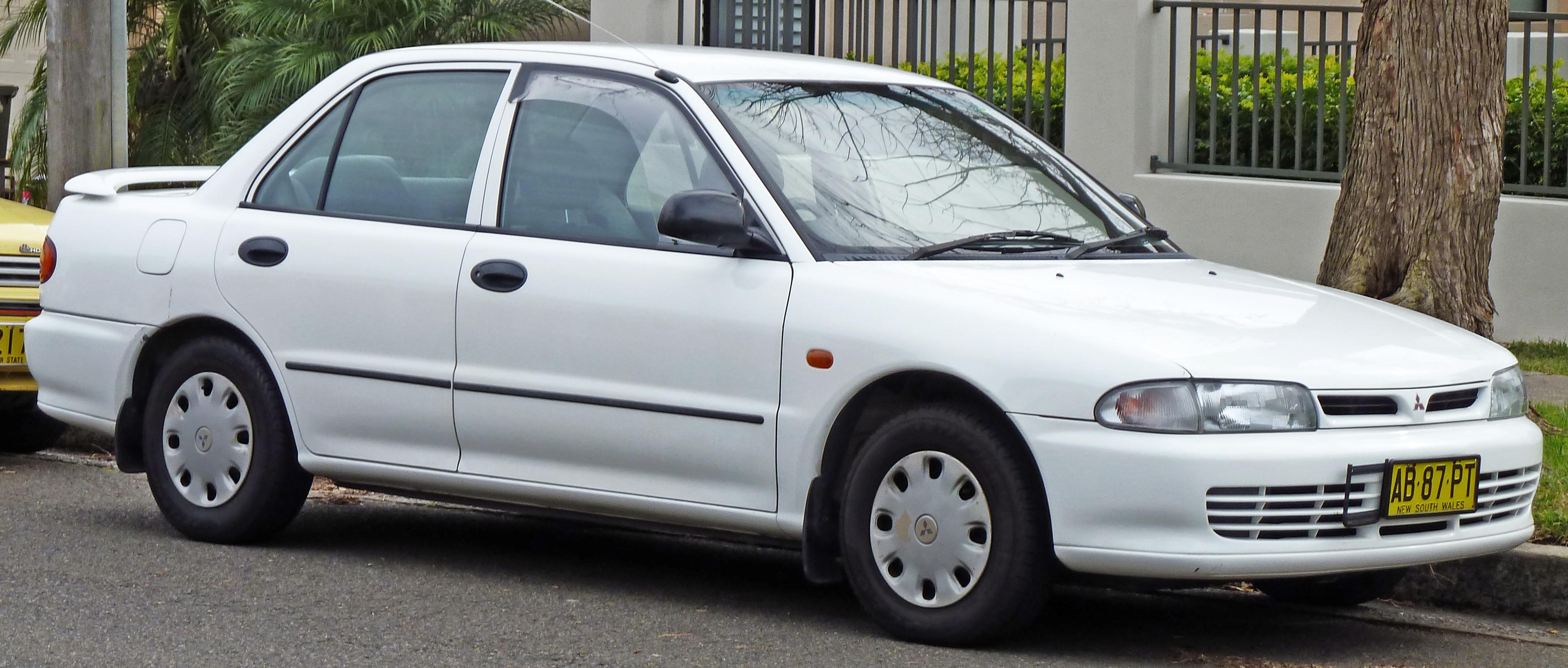 Mitsubishi Galant VII 1992 - 1996 Sedan #7