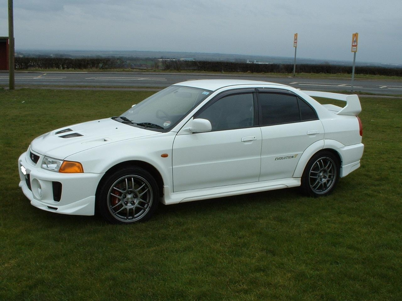 Mitsubishi Lancer Evolution IV 1996 - 1998 Sedan #6
