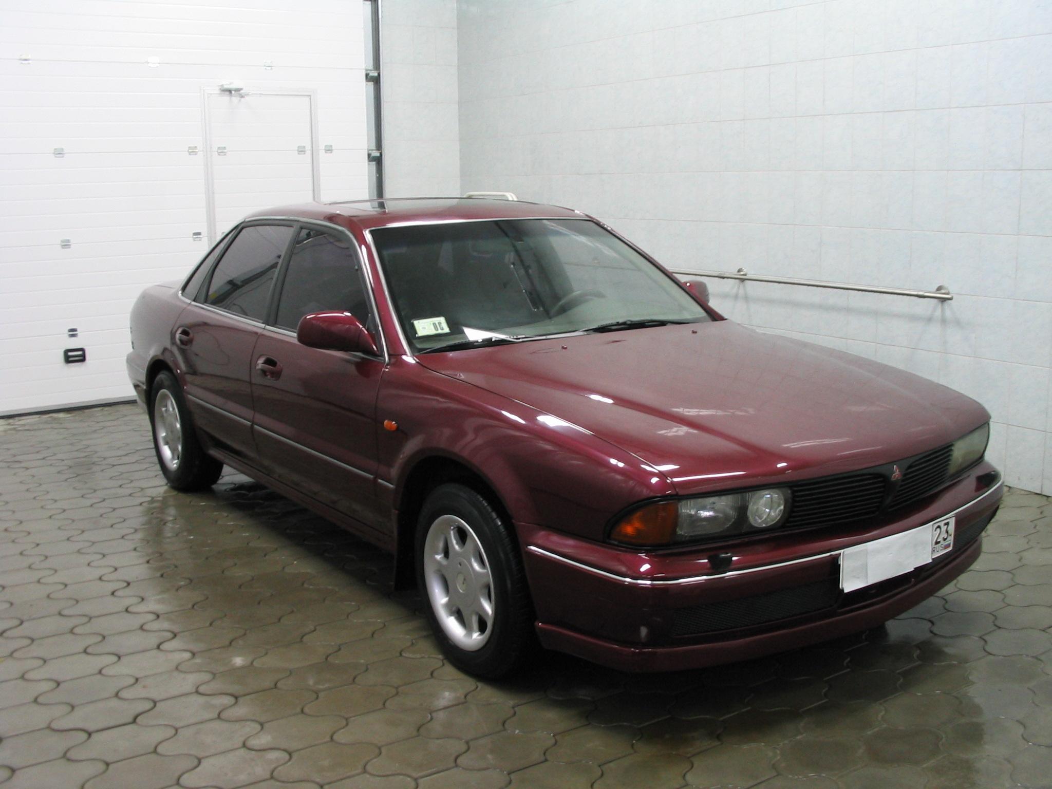 Mitsubishi Sigma 1990 - 1996 Sedan #5