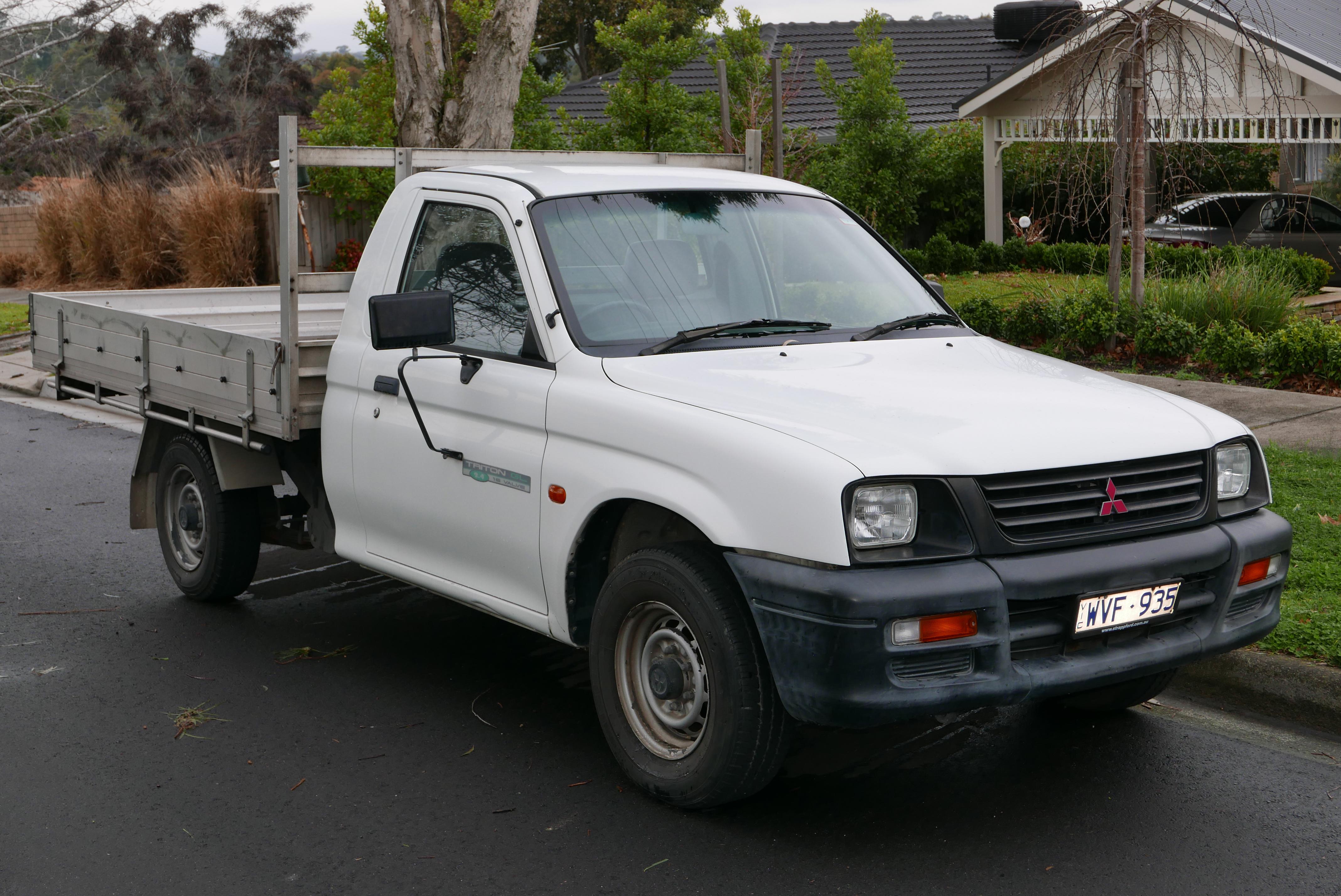 Mitsubishi Strada II 1997 - 1999 Pickup #5