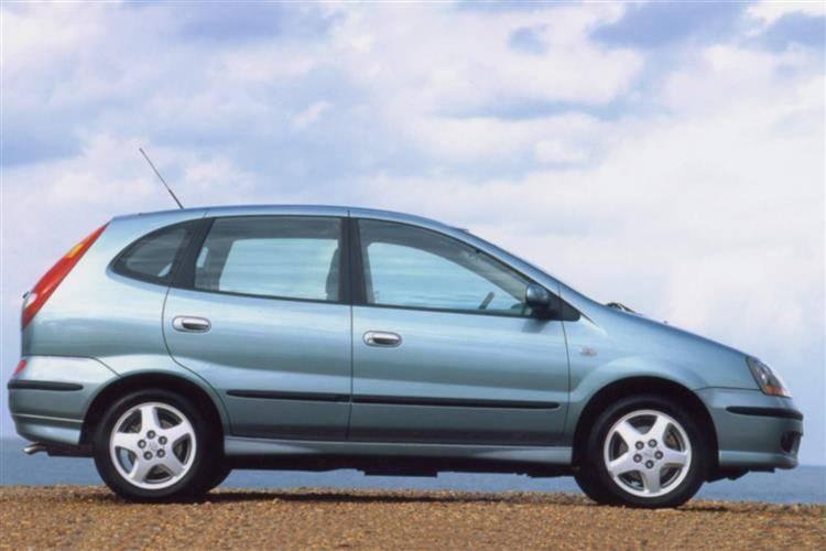 Nissan Almera Tino I 2000 - 2003 Compact MPV #4