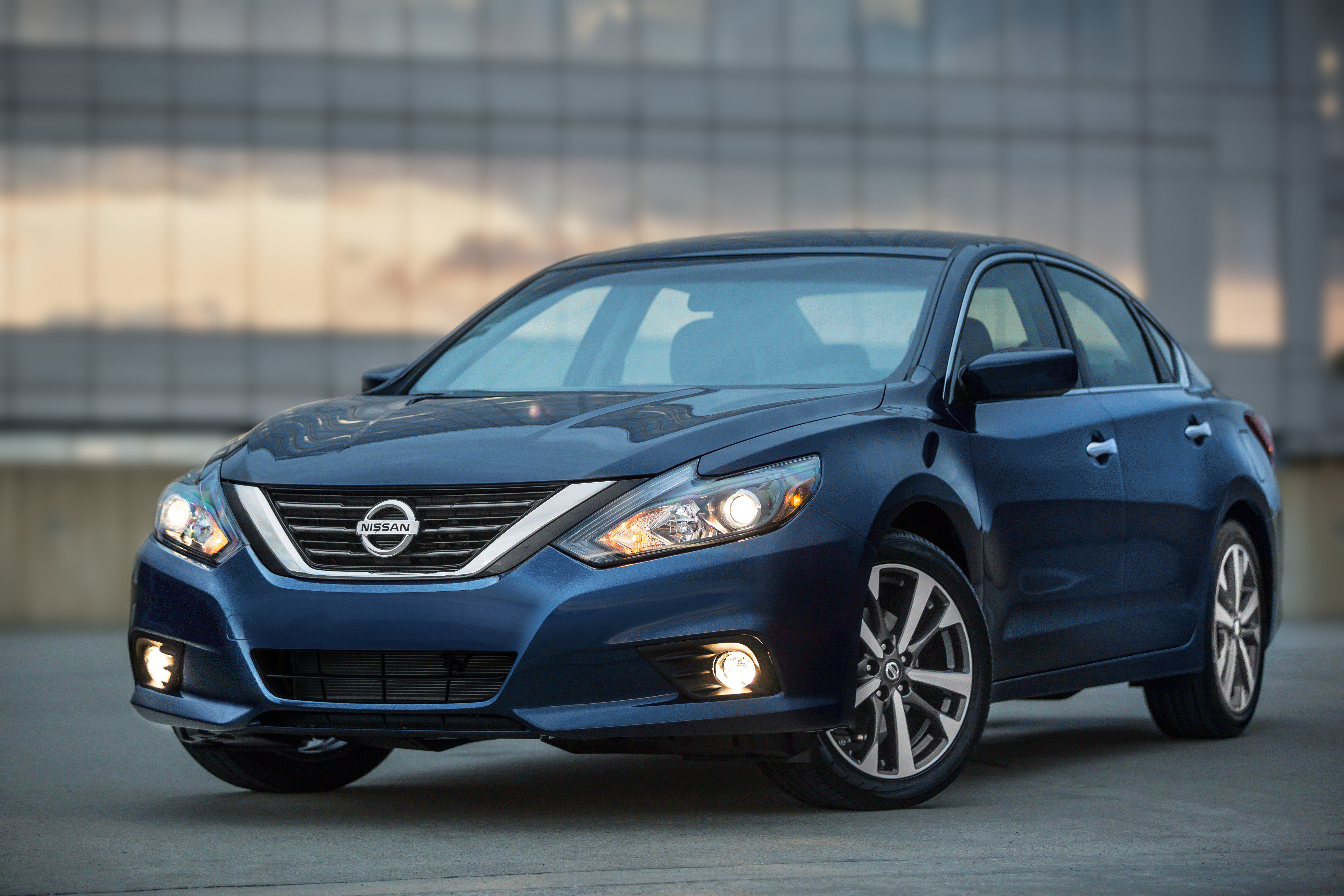 over nissan window auto sedans woes recalling review news driving altima