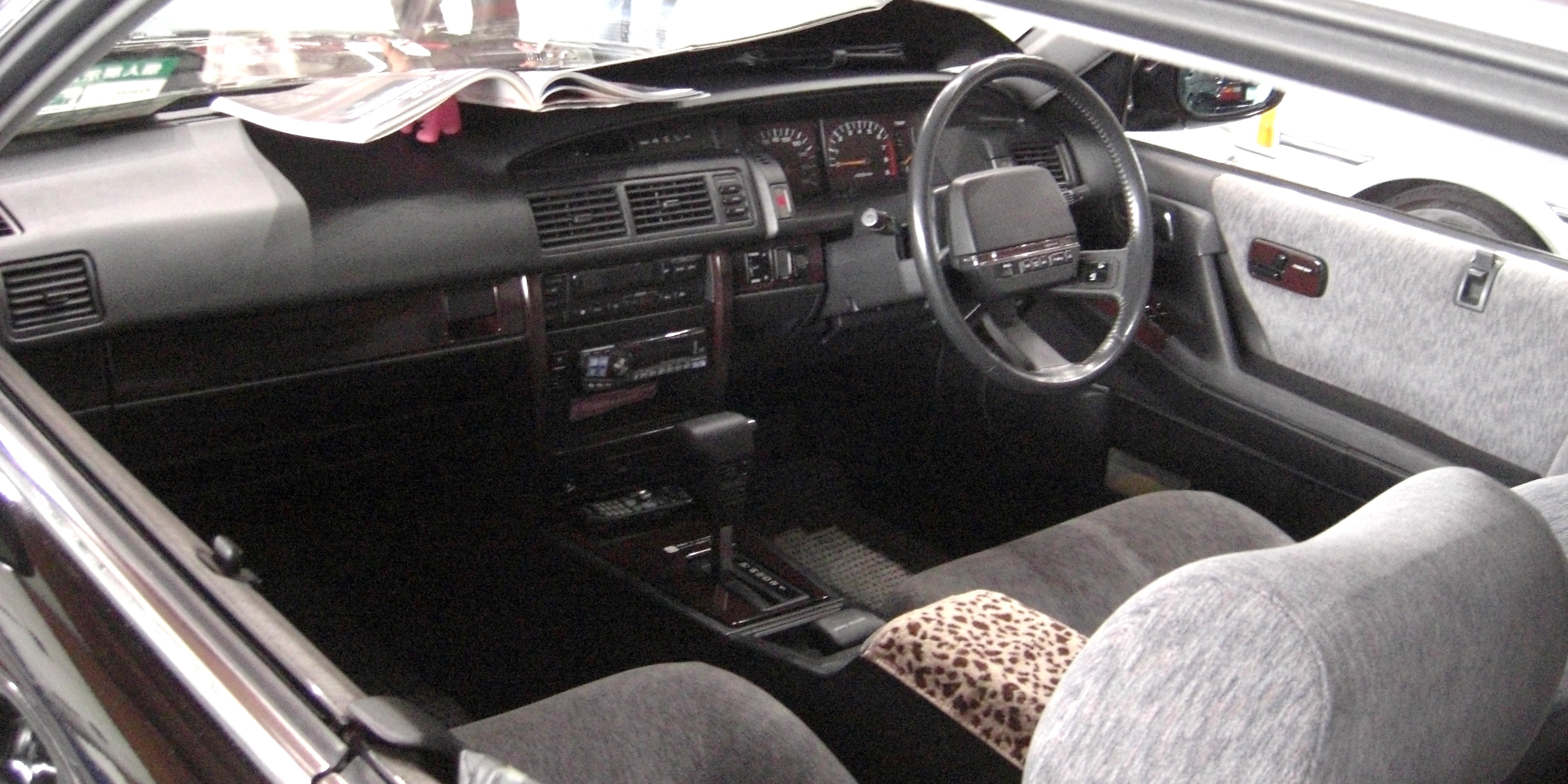 Nissan Cima I (Y31) 1988 - 1991 Sedan-Hardtop #4