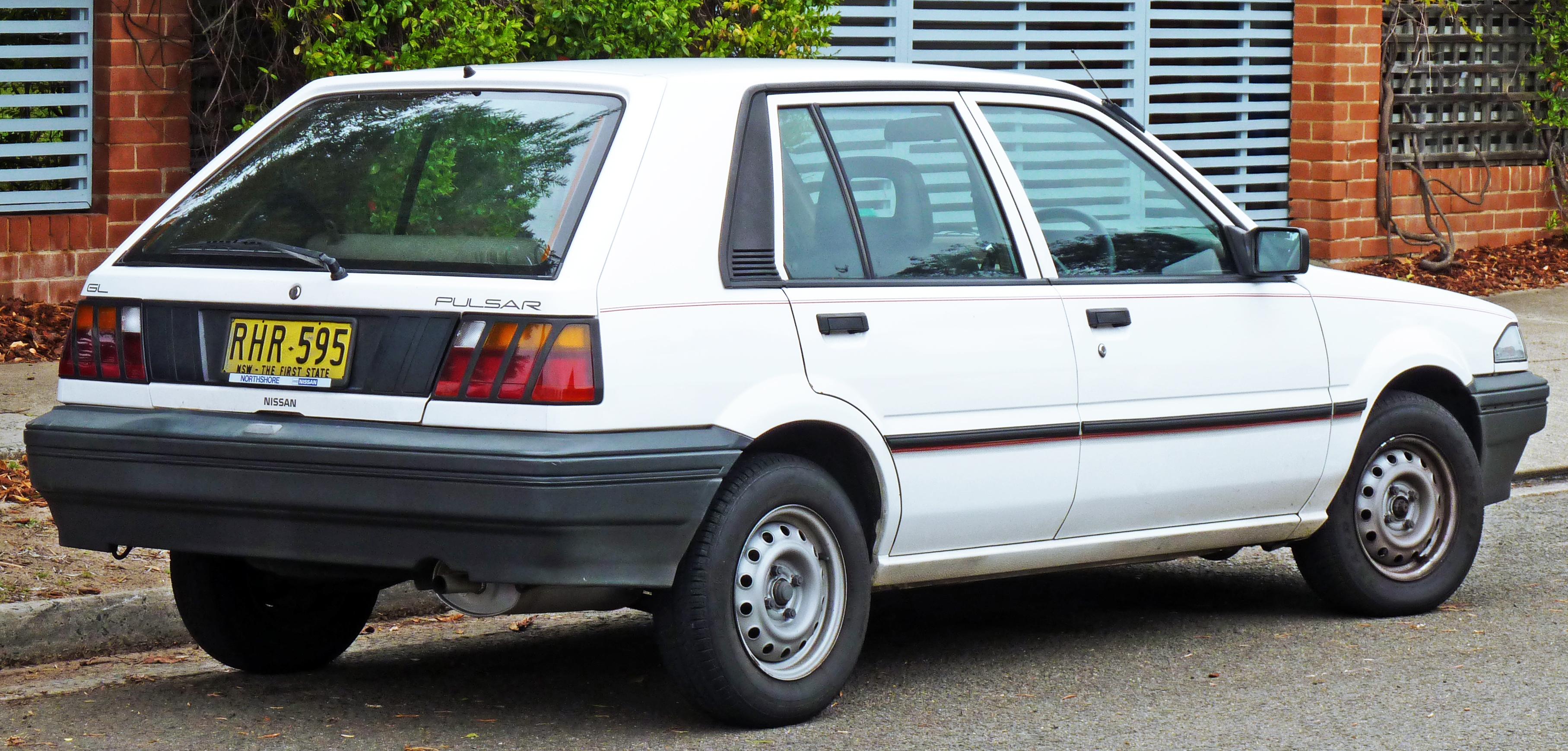 Nissan Langley III (N13) 1986 - 1990 Hatchback 3 door #4